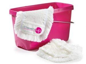 Putzeimer in magenta mit weißem Reinigungsmopp - CleanUp Hygieneversand
